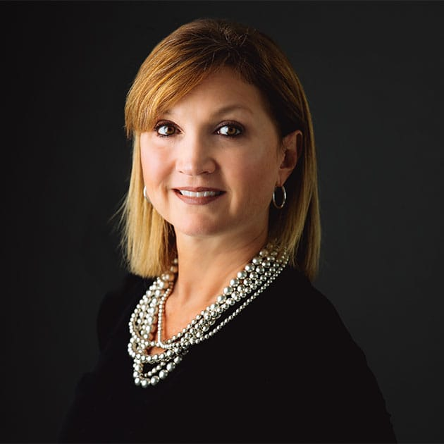 Laura Martin : Account Director